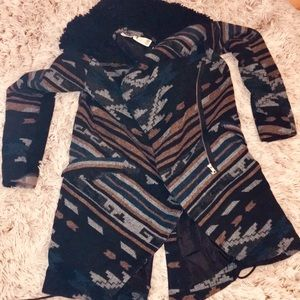 NWT URBAN OUTFITTERS gorgeous winter coat size XS